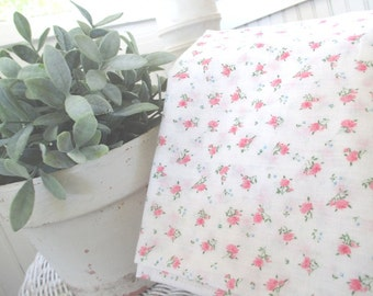 Vintage Pillow Case * Pillow Cover with Zipper * Shabby Cottage * Pink Roses
