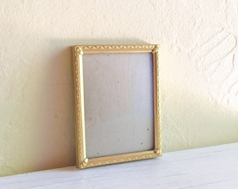 Vintage Gold Metal Picture Frame with Convex Bubble Glass and Filigree Corner Details