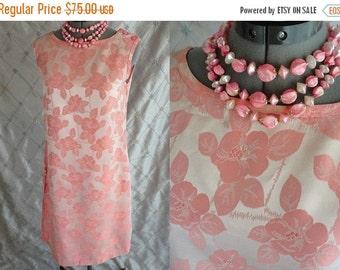 ON SALE 60s Dress //  Vintage 60's Pink Damask Dress Size M  Light Pink