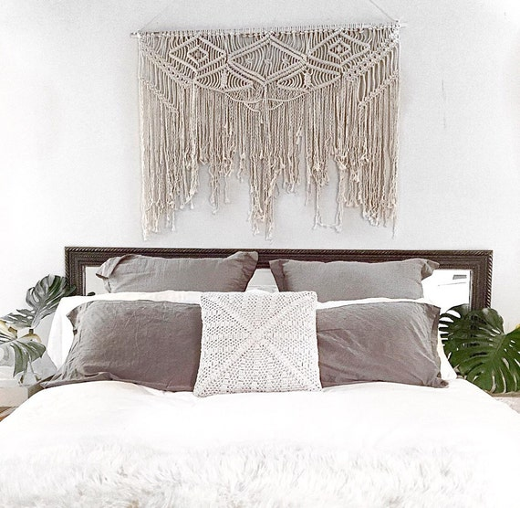 Large macram wall hanging tapestry weaving - What to hang over bed ...
