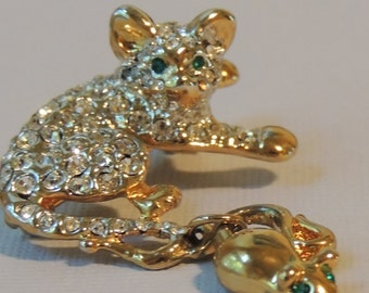 Kitty with dangling Mouse Brooch