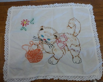 Darling Vintage Embroidered Kitten Dresser Linen Tabletop