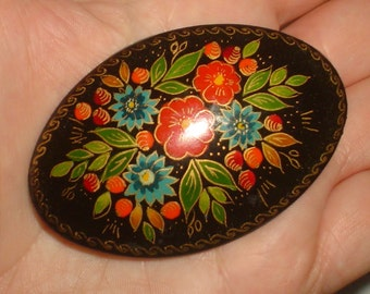 Vintage Russian brooch - hand painted oval red lacquer wooden with flowers bargework