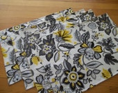 Placemat Set of 4 Yellow & Gray Modern Floral