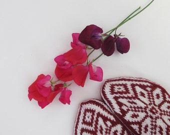 Handknitted socks in norwegian pattern size 40-41