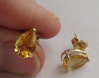 Lovely Teardrop Shaped Natural Citrine Stud Earrings, solid 14K Y Gold, free US first class shipping on vintage