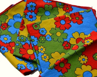 4 Vintage Napkins Flower Power 70s Cloth Napkins