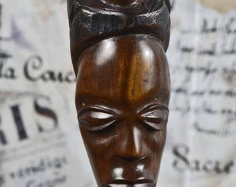 african totem pole... wooden sculpture..  from an estate sale...  home decor... T 8