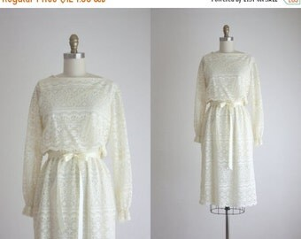25% Memorial Day Sale 1970s lace dress