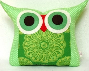 Large size /Green Owl pillow /Pink/ Chevron/ zig zag/ home decor /living room decoration/ for her /express shipping