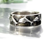 Vintage EMBOSSED DOLPHIN STERLING Ring Textured Carved Band Design Sz 8