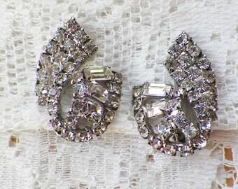 Elegant Vintage Clear Rhinestone Clip On Earrings, Sparkling Rhinestones, Silver Tone Metal, Bride / Bridal / Wedding / Bridesmaid / Evening
