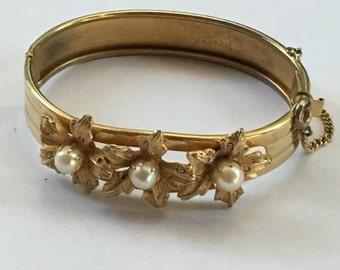 Vintage Pearl Floral Expansion Bangle Bracelet 1960s