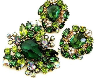 Weiss Emerald Green Molded Glass Brooch Earring Set