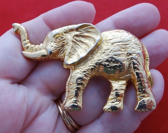 "High end maker- Vintage gold tone 3"" elephant brooch in great condition"