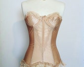 Lovely vintage nude color corset by Lady Marlene sz. 32a