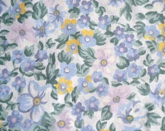 Vintage Bed Sheet - Petite Lavender and Sage Floral - Twin Fitted