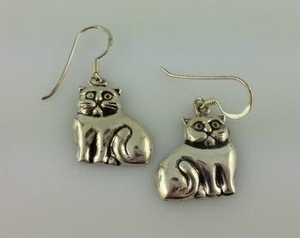 Vintage Sterling Silver Grumpy Kitty Cat earrings