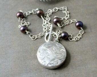 Round Silver Locket  Necklace, Sterling Silver Locket Pendant, 1975 Vintage Locket, Pearl Locket, Push Gift for Her, Silver Photo Locket,