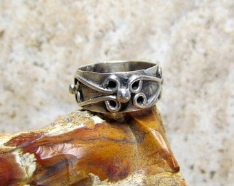 Vintage Sterling Silver Mexico Eagle 3 Ring Signed EBS Size 6.5