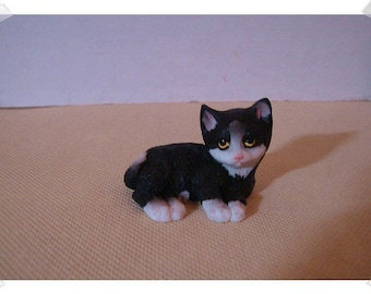 Fairy Garden Resin Cat/Lounging* /Minis / Supplies*