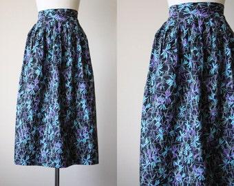 50s Skirt - Vintage 1950s Skirt - Black Midcentury Floral Print Cotton Full Skirt S M - Crazy Daisy Skirt