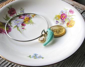 Flower and Bird Bangle, Pressed Flower Bracelet, Nature Lover Bracelet, Garden Jewelry, Minimalist, Queen Anne's Lace Bracelet