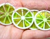 35mm Lime Green Sparkly Fruit Slice Citrus Pendants Qty 4, Chunky Purse Charm, Zipper Pull, Keychain, Chunky Jewelry, Food Kawaii Charm