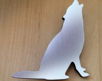 Howling Wolf Brooch in Brushed Aluminum Finish Acrylic - Animal Shape Jewelry