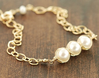 Pearl Birthstone Bracelet in 14k Gold Fill or Sterling Silver, Handmade Gemstone Wedding Jewelry, Layering Bracelet