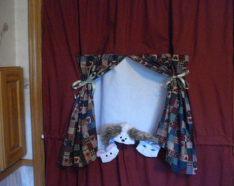 Complete set Doorway theater Stage with 3 Sock puppets Puppy, Kitty and Mouse Sock Puppets