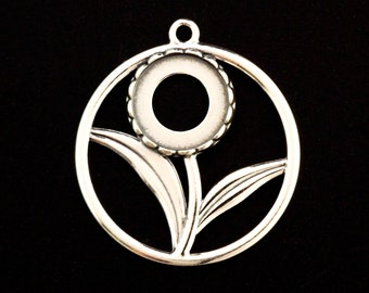 1 Sterling Silver Circle Flower Pendant with 10mm Cabochon Mounting - 26mm X 14mm