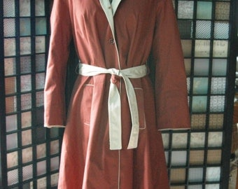1970's Womens Rain Coat in Russet Brown Size Medium
