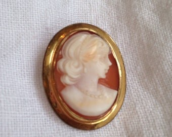 Vintage Shell Cameo Brooch Pendant Gold Filled