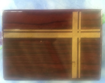Vintage lacquered Mahogany Neiman Marcus Box Detached Lid Design on lid