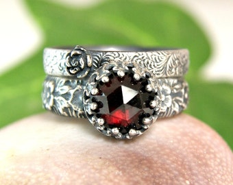 Red Garnet Renaissance Ring, Garnet Stacking Rings, Sterling Silver Ring for Women, January Birthstone Jewelry