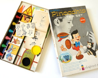 Colorforms Walt Disney Pinocchio Printer Set 60s / Stamp Kit with Pinocchio Characters in Box / Vintage Toy