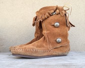 Vintage authentic Taos suede hard-soled Women's Size 6.5 moccasin boot fringe, vintage Native American Indian boot calf-length, boho boot