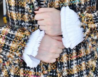 White Ruffled cuffs/Detachable cuffs/White cuffs/High fashion/Ruffle detail cuffs/ More styles and colors/ rusteam