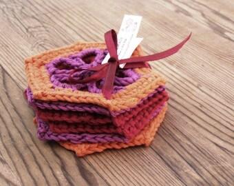 Dahlia mug rug, Dahlia coasters, Floral mug rug, Crochet coaster set, Colorful coasters, Kitchen decor, Drinkware, gift for Mom
