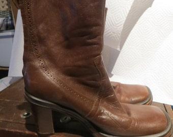 Vintage 1990s Designer BCBG brown leather back zipper platform  HIPSTER  boots   sz 8b