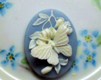 N1592 Vintage Cabochon Butterfly Oval Cameo Flowers Blue 30x40mm Raised NOS