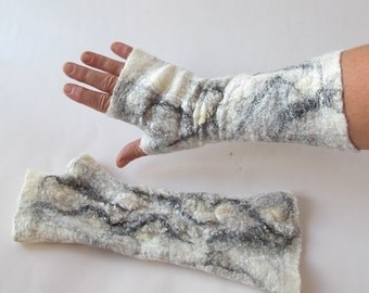 Felted mittens, Felt fingerless gloves, Grey warm Mittens, White and Black mitts, Wool gloves, felt by Galafilc