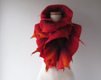 Felted ruffle scarf Red felt  ruffle collar Wool warm scarf Flame collar  Fire scarf Christmas gift for her Red and Black   gift under 75