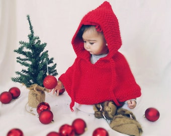 Baby Christmas outfit. Red baby poncho. Santa baby.  Baby girl clothes. First Christmas photo prop. Chirstmas baby. Baby shower. Baby gift