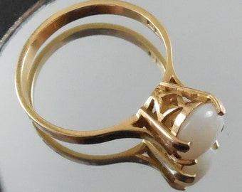 Sale - 18K Gold Opal Ring Egyptian Hallmarks - Raised Setting - Size 8