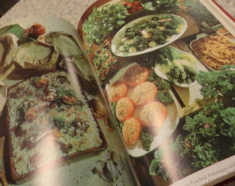 1970s COOK BOOK Family Circle Retro Recipes Wow it has everything