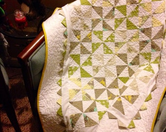 A Stroll in the Park Pinwheel Crib/Lap Quilt