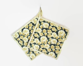 """Quilted Potholders Set of Two """"Yellow Roses"""" Quiltsy Handmade, Fabric Hot pads"""