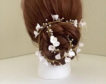 Bridal Hair Vine, Floral vine, White Flowers, Boho Bride, Flower Vine